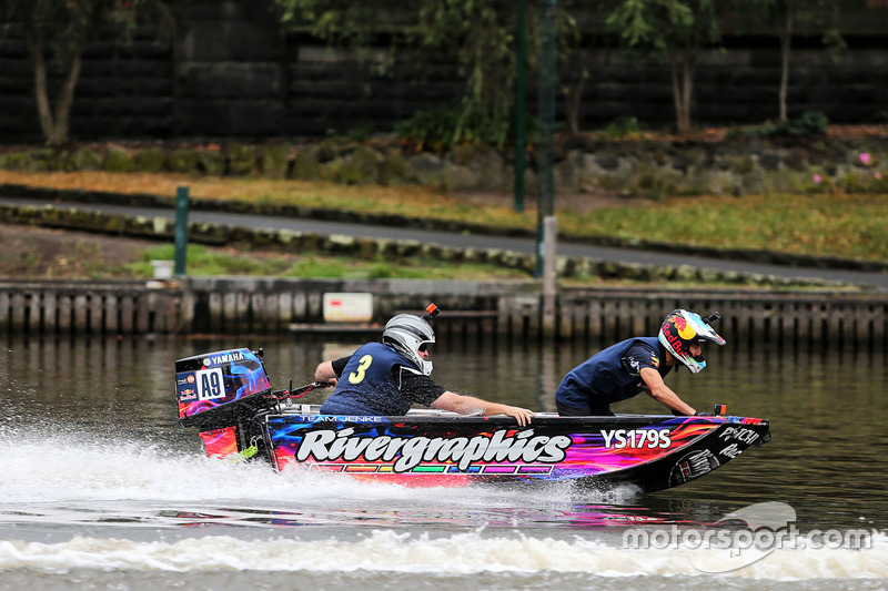 Daniel Ricciardo, Red Bull Racing, auf dem Yarra River