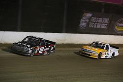 Noah Gragson, Kyle Busch Motorsports Toyota y Kaz Grala, GMS Racing Chevrolet