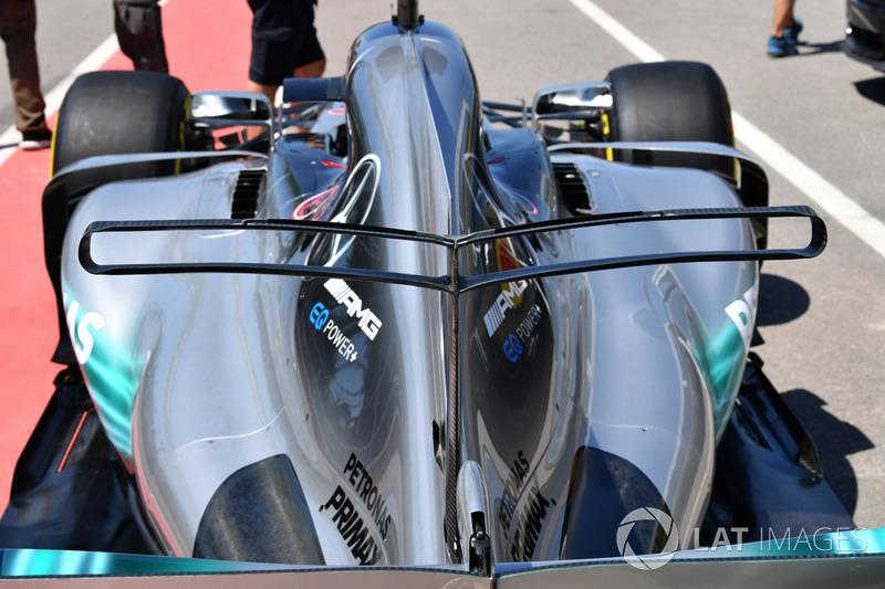Mercedes-Benz F1 W08: Motorhaube mit T-Flügel