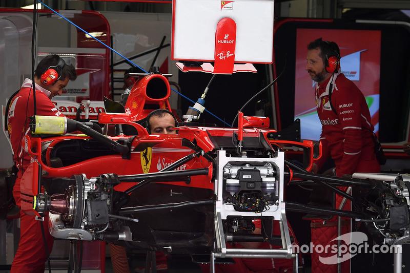 Шасі і передні гальма Ferrari SF70H