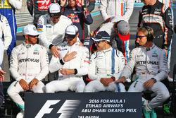 Lewis Hamilton, Mercedes AMG F1; Fernando Alonso, McLaren; Jenson Button, McLaren; Felipe Massa, Williams; and Nico Rosberg, Mercedes AMG F1 at the end of season group drivers group photograph