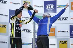 Le vainqueur Lando Norris, Carlin, Dallara F317