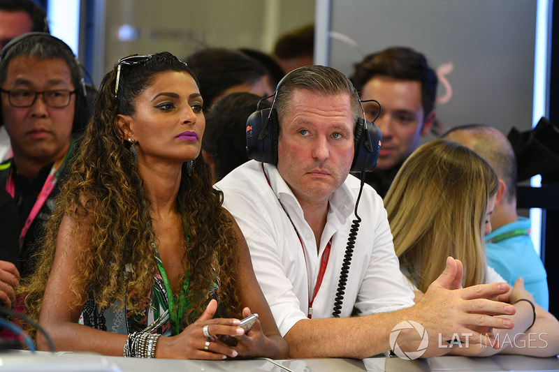 Jos Verstappen, girlfriend Amanda Sodre, Model