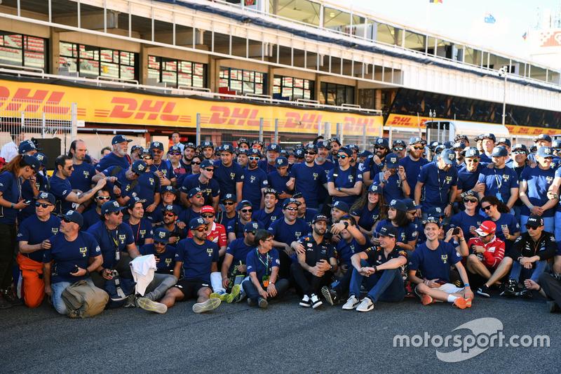 FIA Volunteers group photo