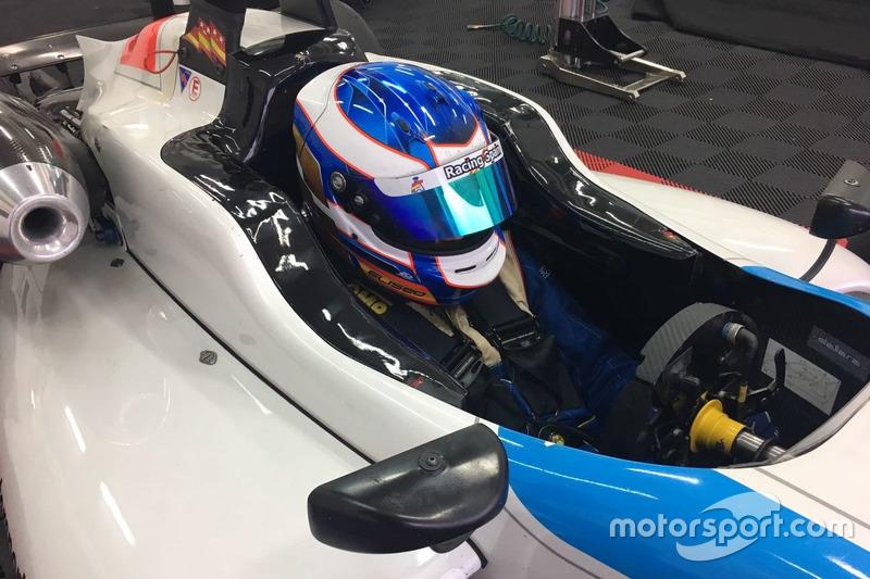 Eliseo Martínez en un test con el F3 de Teo Martín Motorsport en diciembre