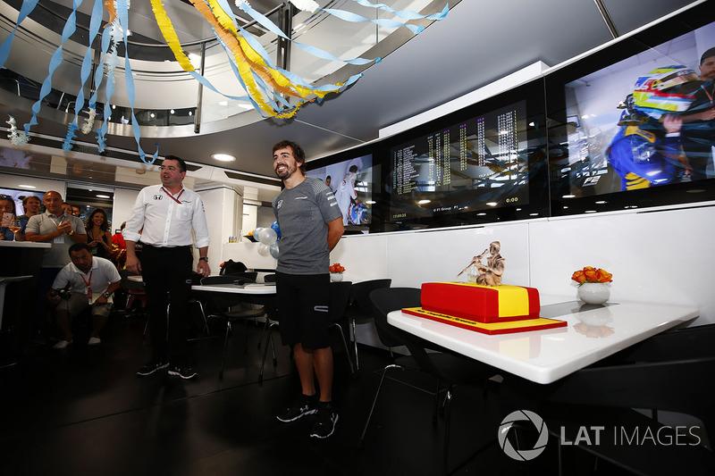 Fernando Alonso, McLaren doğum gününü kutluyor