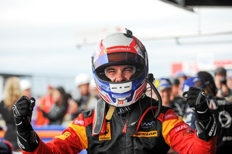 Winner GTE #66 JMW Motorsport Ferrari F488 GTE: Miguel Molina