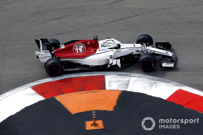 19. Antonio Giovinazzi, Sauber C37