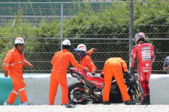Sturz: Danilo Petrucci, Ducati Team
