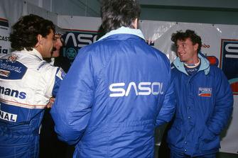 Ayrton Senna, Williams shakes hands with Eddie Irvine, Jordan