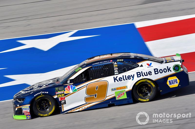 16. Chase Elliott, Hendrick Motorsports, Chevrolet Camaro Kelley Blue Book