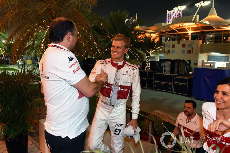 Marcus Ericsson, Sauber celebrates at the end of the race with Frederic Vasseur, Sauber, Team Princi