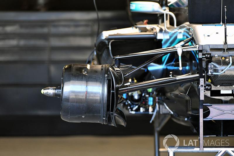 Mercedes-AMG F1 W09 EQ Power+ ön teker detay