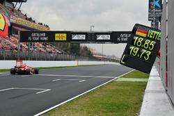 Pit board for Sebastian Vettel, Ferrari SF71H