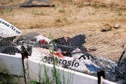 El Shadow DN8 de Tom Pryce en la esquina de Crowthorne después de un trágico accidente fatal