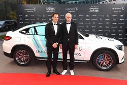 Il tennista Roger Federer con Dieter Zetsche, Presidente del consiglio di amministrazione Mercedes-Benz