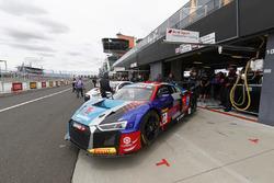 #22 Audi Sport Customer Racing Audi R8 LMS: Garth Tander, Kelvin Van der Linde, Fredrick Vervisch
