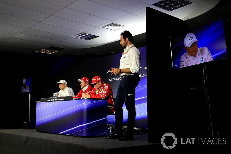 Валттері Боттас, Mercedes AMG F1, Себастьян Феттель, Ferrari, Кімі Райкконен, Ferrari, медіа-делегат FIA Маттео Бончані