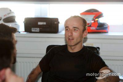 Kubica im DTM-Simulator von BMW