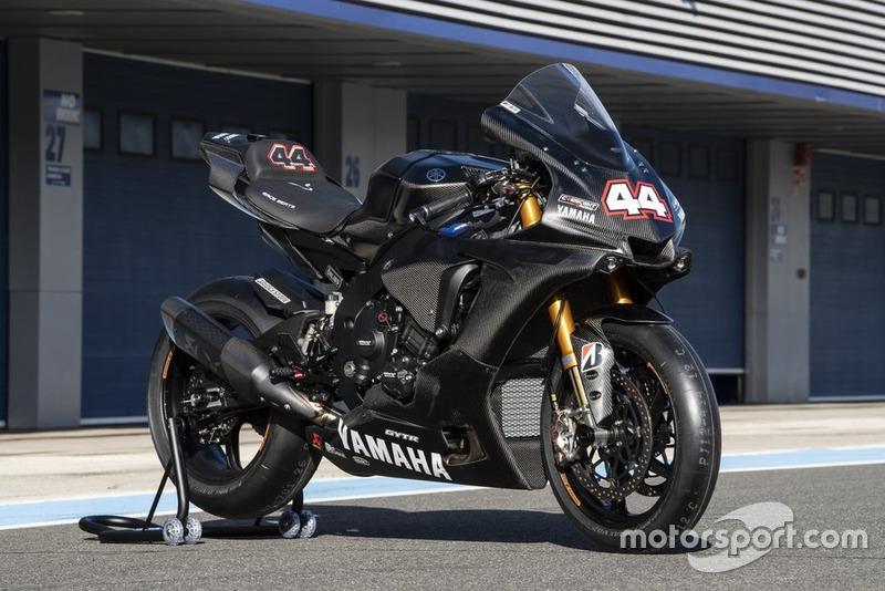Льюіс Хемілтон тестує Yamaha Superbike