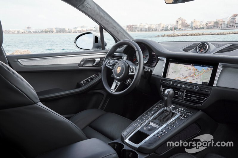Porsche Macan S 2019 року