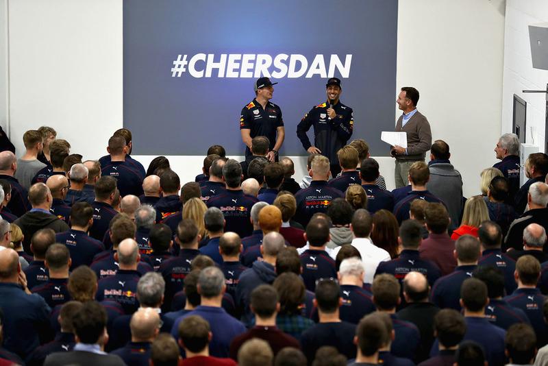 دانيال ريكاردو، ماكس فيرشتابن وكريستيان هورنر يوجّهون كلمة للفريق