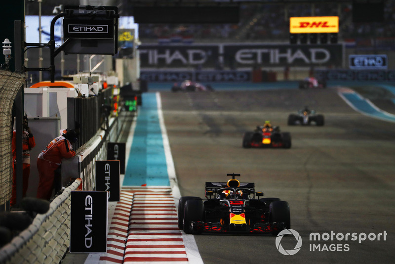 Daniel Ricciardo, Red Bull Racing RB14, Max Verstappen, Red Bull Racing RB14