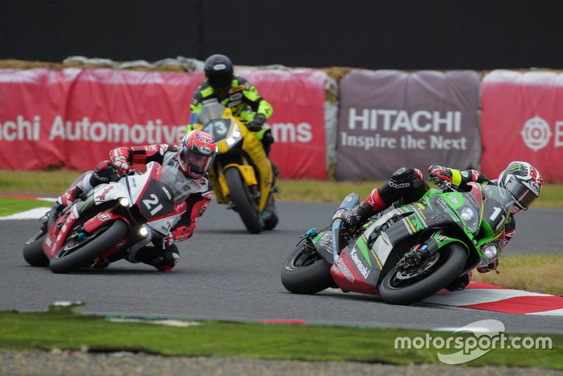#11 Kawasaki Team GREEN y #21 YAMAHA FACTORY RACING TEAM