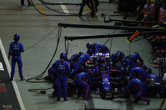 Brendon Hartley, Toro Rosso STR13, in de pits