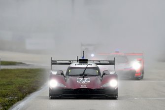 #77 Mazda Team Joest Mazda DPi, DPi: Oliver Jarvis, Tristan Nunez, Timo Bernhard, Start