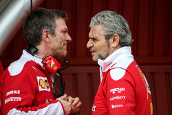 Джеймс Эллисон, директор по шасси Ferrari и Маурицио Арривабене, руководитель Ferrari