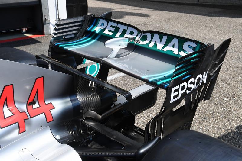 Detalle del alerón trasero del Mercedes-AMG F1 W09