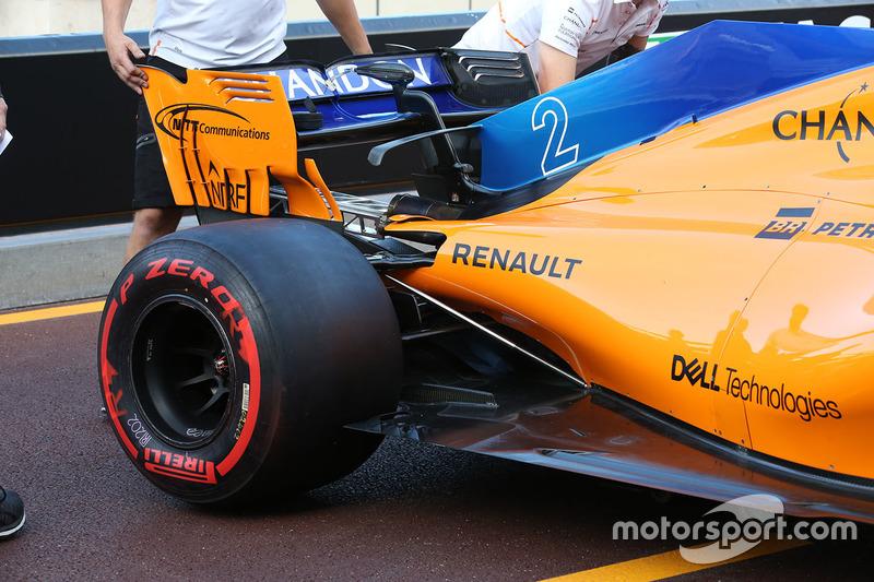 Arrière de la McLaren MCL33