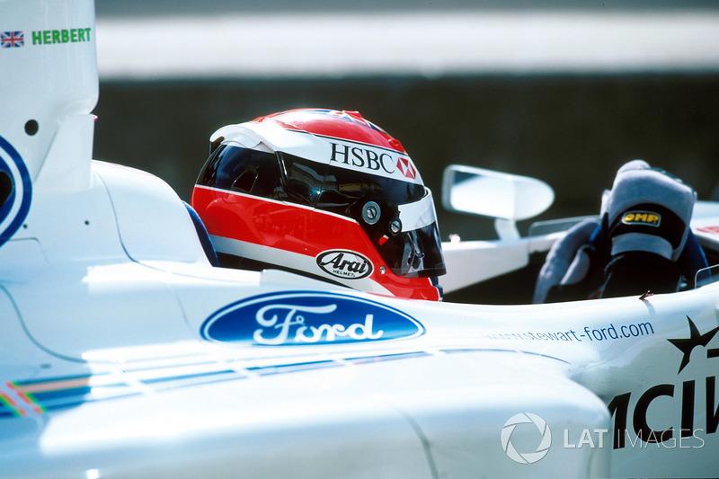 Yarış galibi Johnny Herbert, Stewart Grand Prix