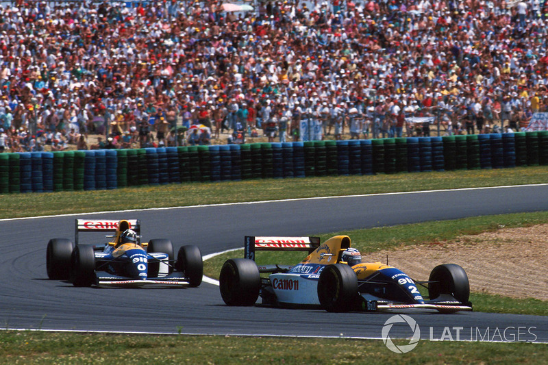 Alain Prost, Williams FW15C leads Damon Hill, Williams FW15C