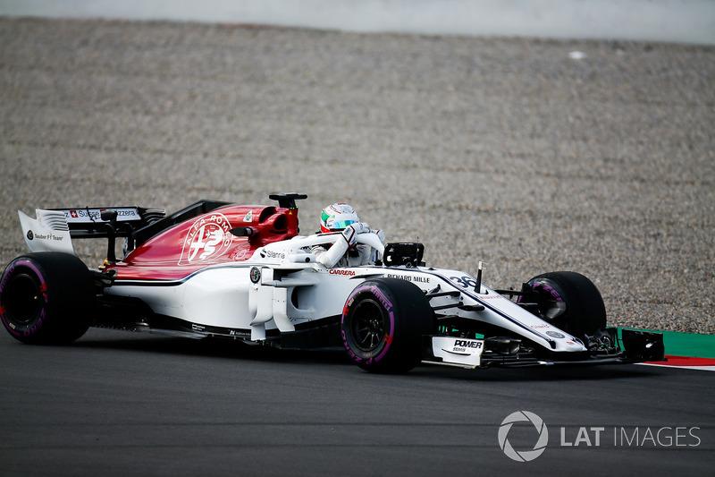 Остановка на трассе: Антонио Джовинацци, Alfa Romeo Sauber C37