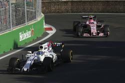 Фелипе Масса, Williams FW40, и Эстебан Окон, Sahara Force India F1 VJM10