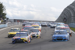 Kyle Busch, Joe Gibbs Racing Toyota leads at the start