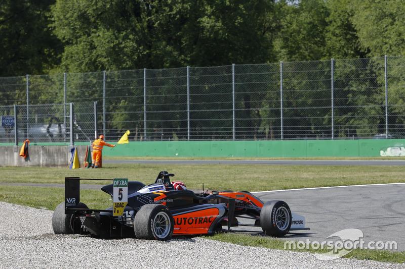 Pedro Piquet, Van Amersfoort Racing Dallara F317 - Mercedes-Benz in the gravel