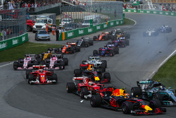 Валттері Боттас, Mercedes-Benz F1 W08, Макс Ферстаппен, Red Bull Racing RB13, Себастьян Феттель, Ferrari SF70H, на старті гонки