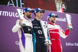José María López, DS Virgin Racing, Sébastien Buemi, Renault e.Dams, and Nick Heidfeld, Mahindra Racing, celebra
