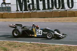 Tony Trimmer, Maki F102A