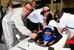 Jonathan Noble, Journalist and David Saelens, F1 Experiences 2-Seater Driver