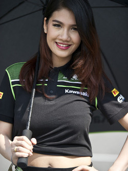 Hot Kawasaki Puccetti Racing girl