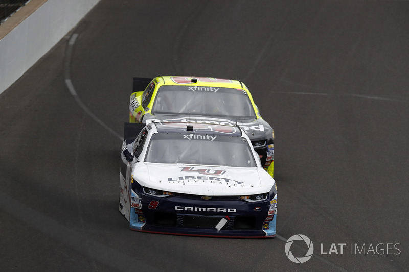 William Byron, JR Motorsports Chevrolet, Paul Menard, Richard Childress Racing Chevrolet