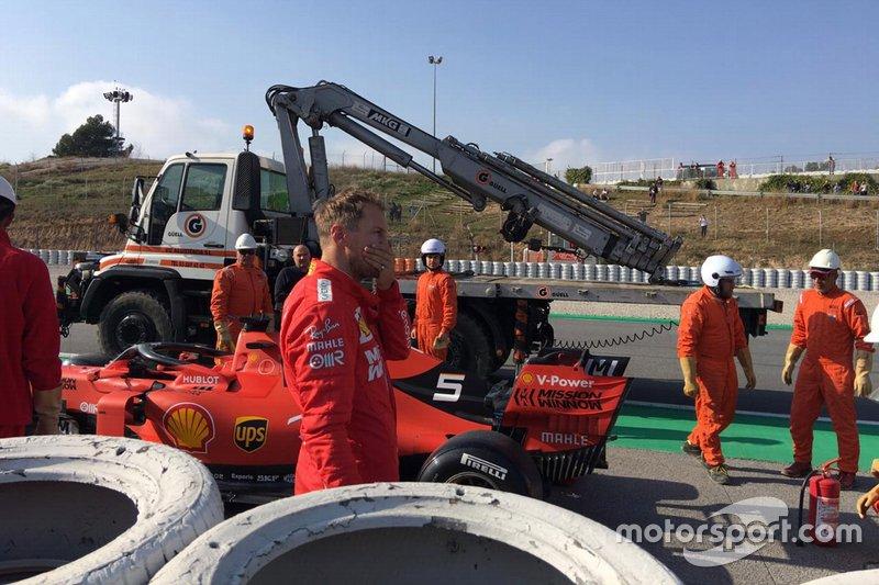 Sebastian Vettel, Ferrari SF90 stops on the side of the track