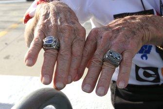 Daytona-500-Siegerringe an den Fingern von Lennard Wood