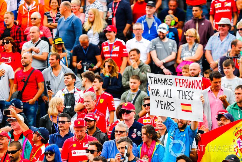 Pesan kepada Fernando Alonso, McLaren, dari fans