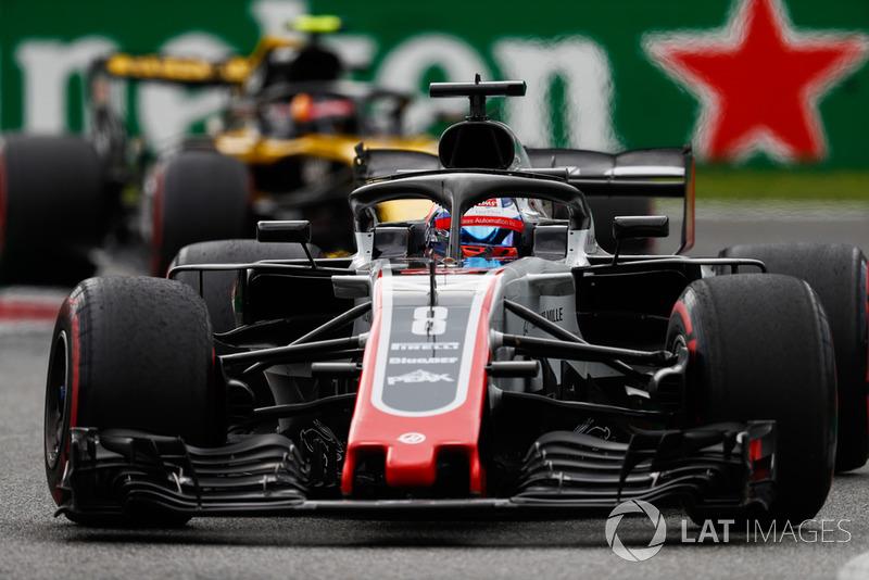 Romain Grosjean, Haas F1 Team VF-18, Carlos Sainz Jr., Renault Sport F1 Team R.S. 18