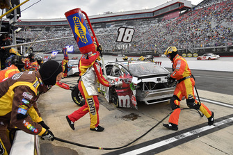 Crew: Joe Gibbs Racing